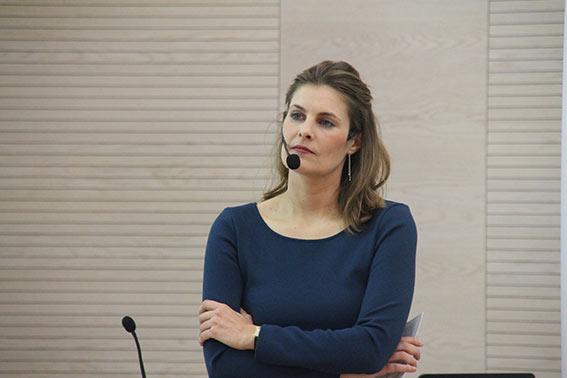 Moderatorin Marisa Mühlböck