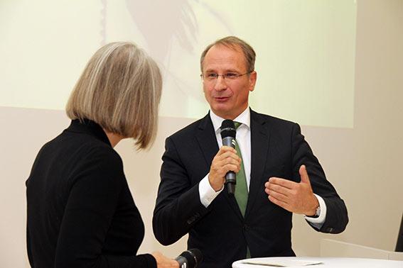 Kurt Weinberger interviewt Preisträgerin Gerling Weber