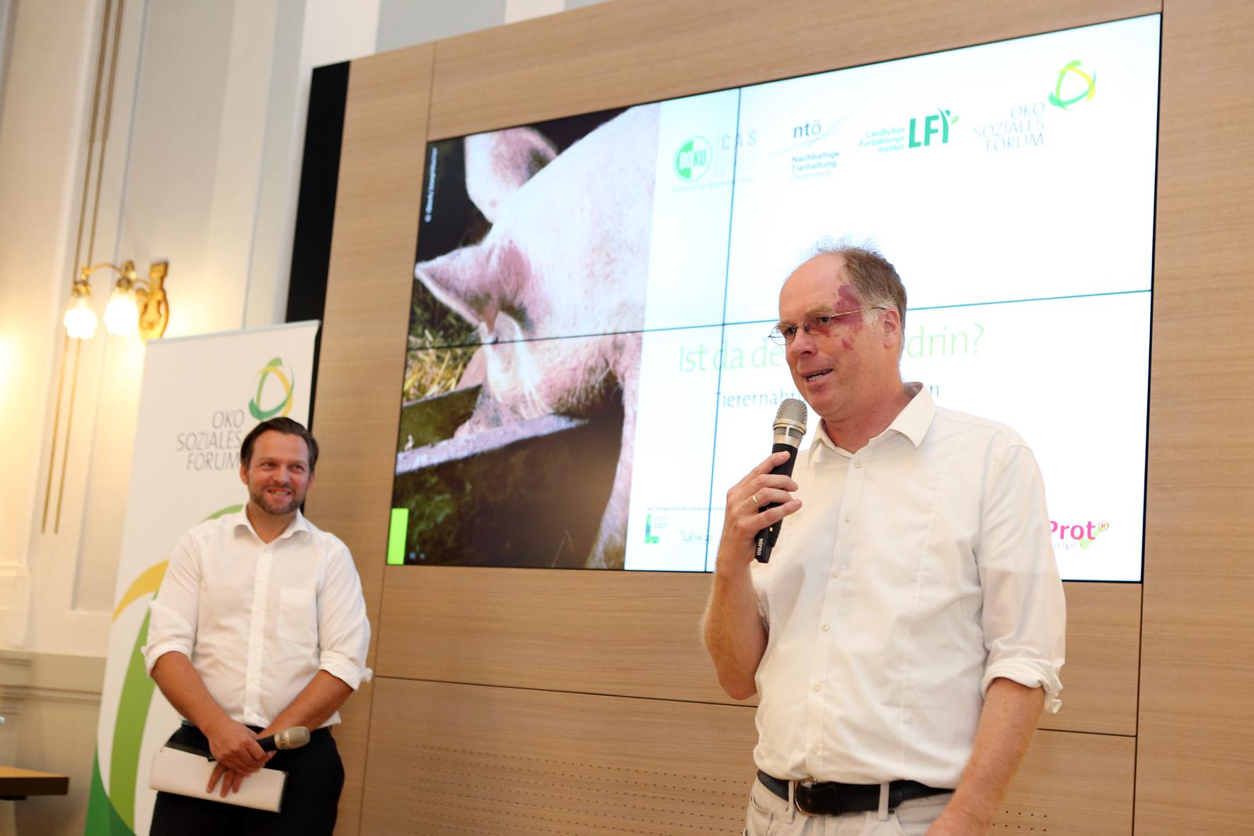 Jochen Kantelhardt (CAS - BOKU Zentrum für Agrarwissenschaften) bei der Begrüßung