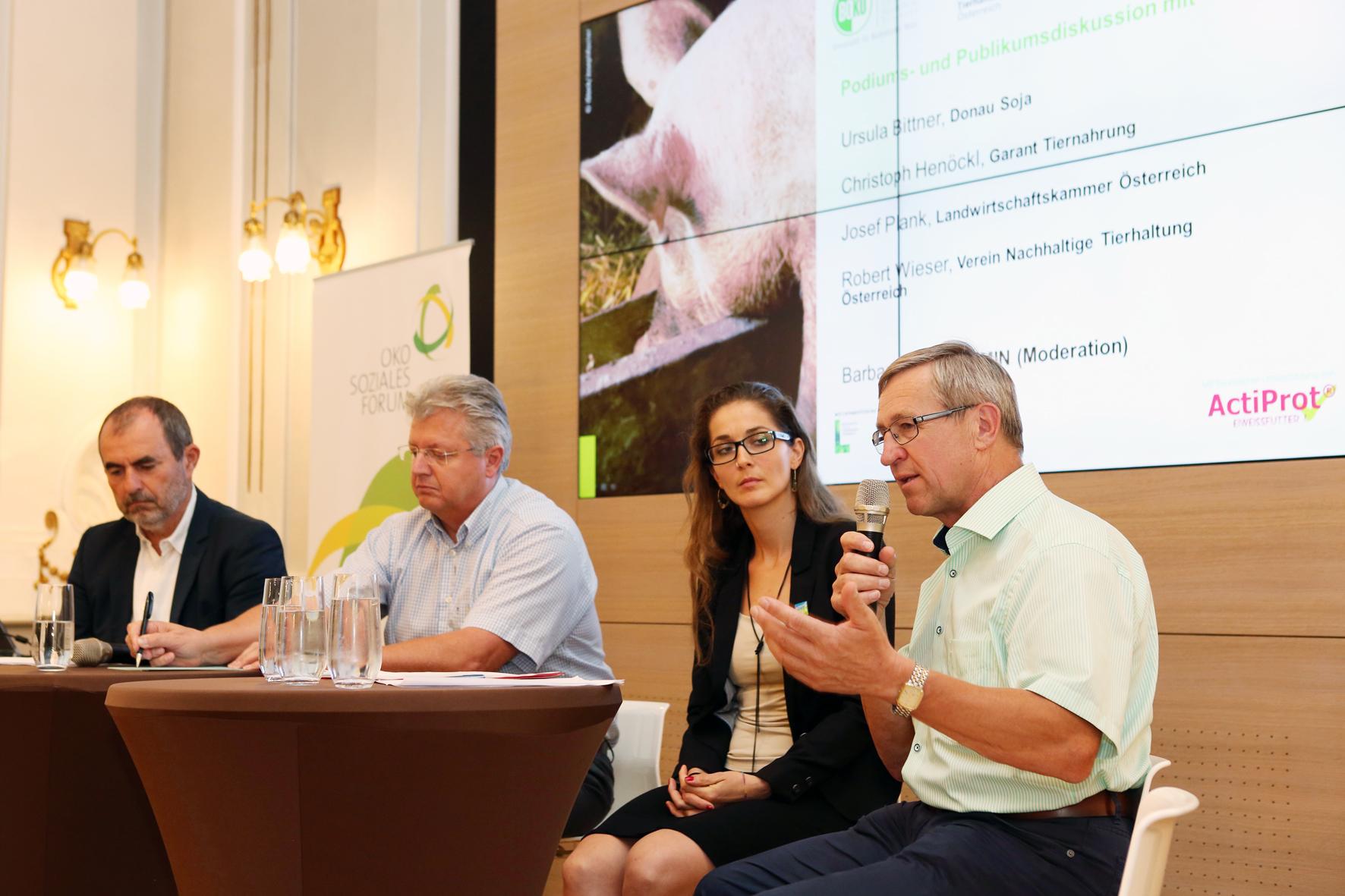 Podiumsdiskussion mit (v.l.n.r.) Josef Plank, Christoph Henöckl, Ursula Bittner und Robert Wieser