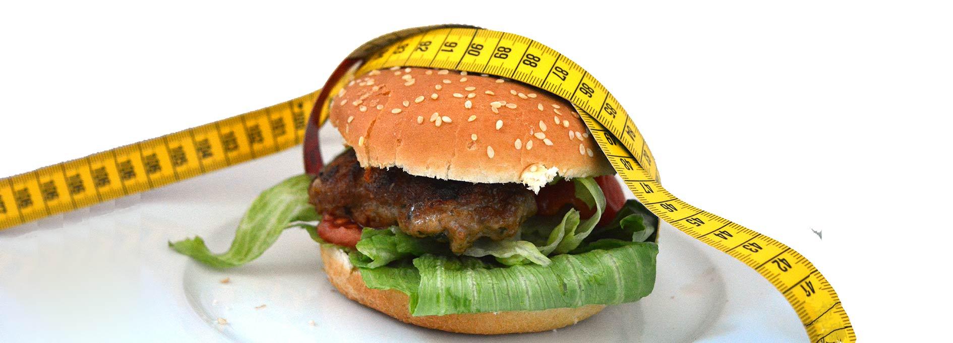 Hamburger mit Maßband außenrum