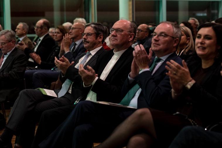 Erwin Hameseder,Vizepräsident des Ökosozialen Forums und Obmann der Raiffeisen-Holding NÖ-Wien; Bischof Alois Schwarz; Stephan pernkopf und Elisabeth Köstinger