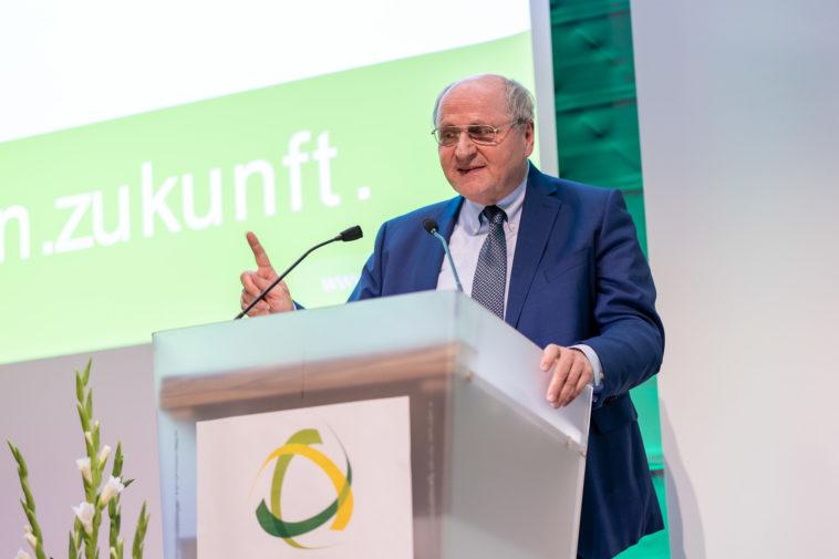 Christoph Badelt fordert die Politik auf aktiv zu werden und gibt einen Einblick in die Arbeit des wissenschaftlichen Beirates des Ökosozialen Forums.